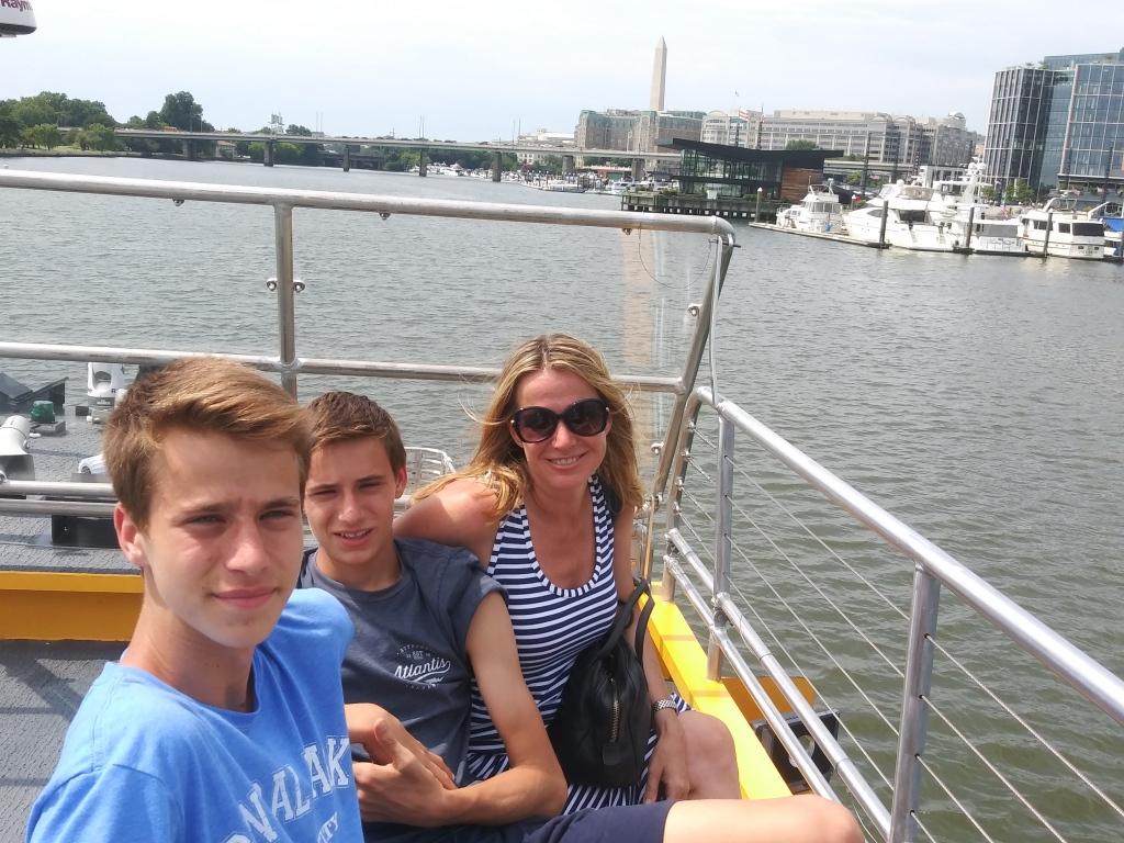 Potomac River water taxi/ Kimberly Sullivan