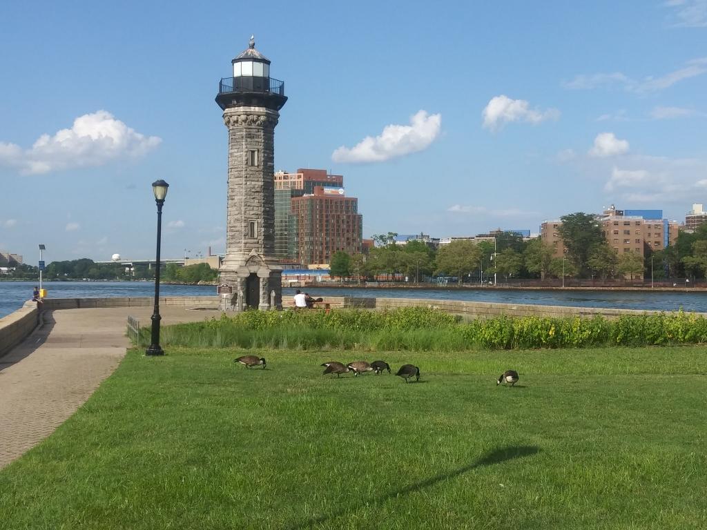 Roosevelt Island, New York City/ Kimberly Sullivan