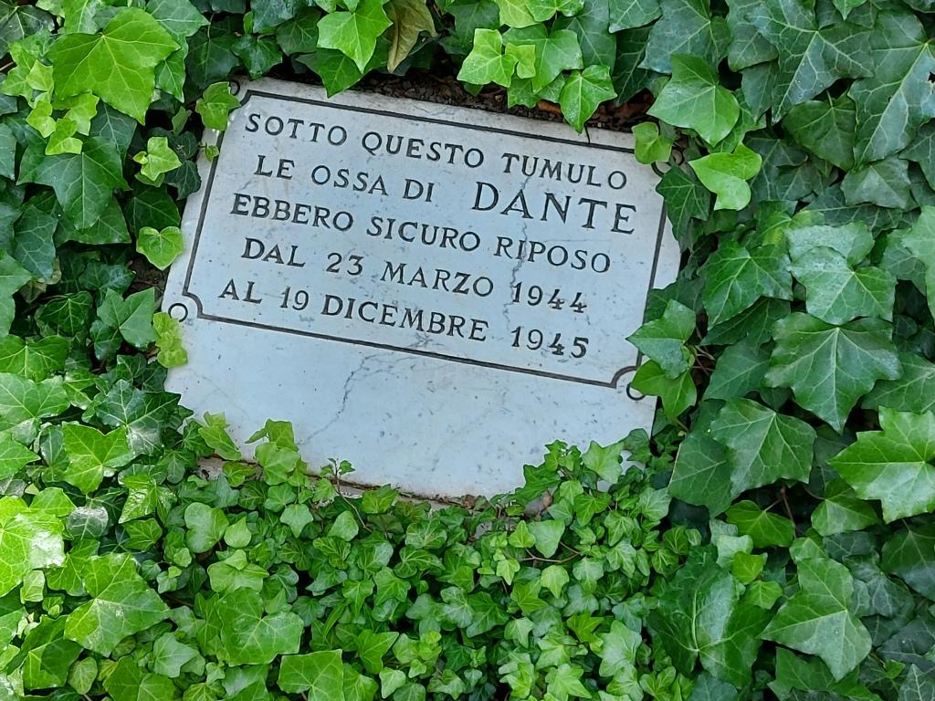 Tomb of Dante Alighieri, Ravenna, Italy / Kimberly Sullivan